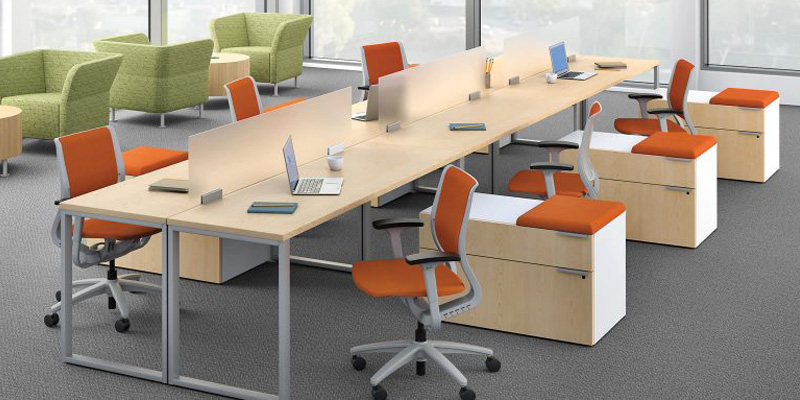 Reasons why business owners should replace old office furniture